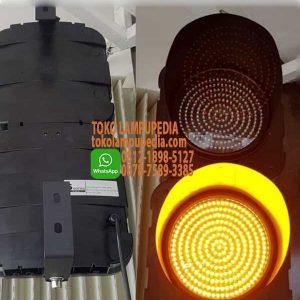 lampu traffic light yellow
